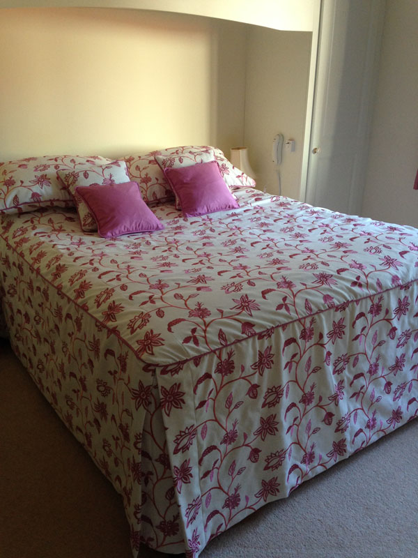 Home bedspreads embroidered