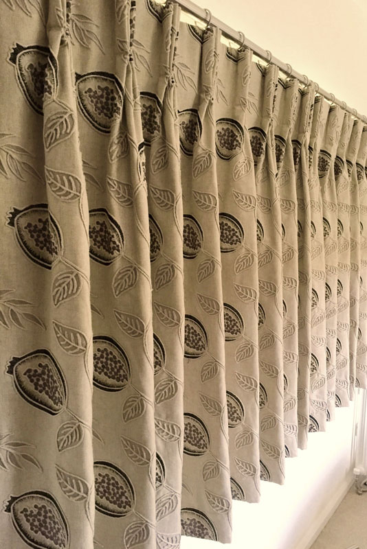 Triple pleat curtains - short fit
