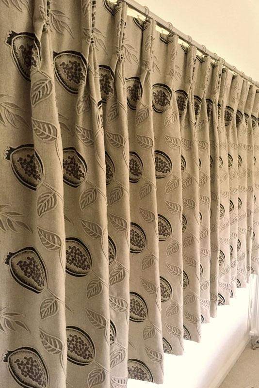 Triple pleat curtains - short fit